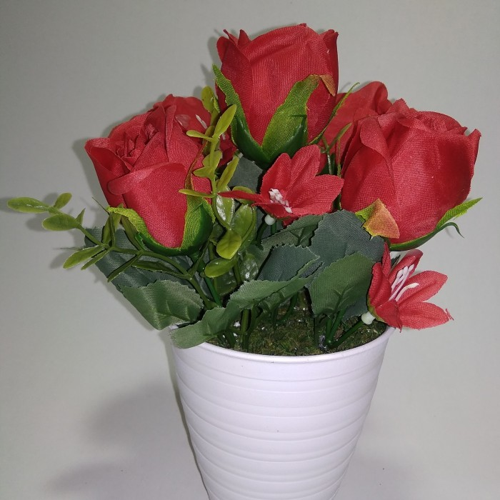 Jual Bunga Mawar Mawar Plastik Bunga Palsu Bunga Plastik Tanaman Hias Kota Tangerang Selatan Laju Pandawa Lima Tokopedia