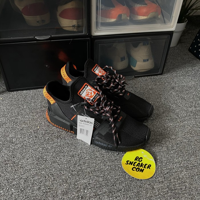nmd r1 v2 black orange