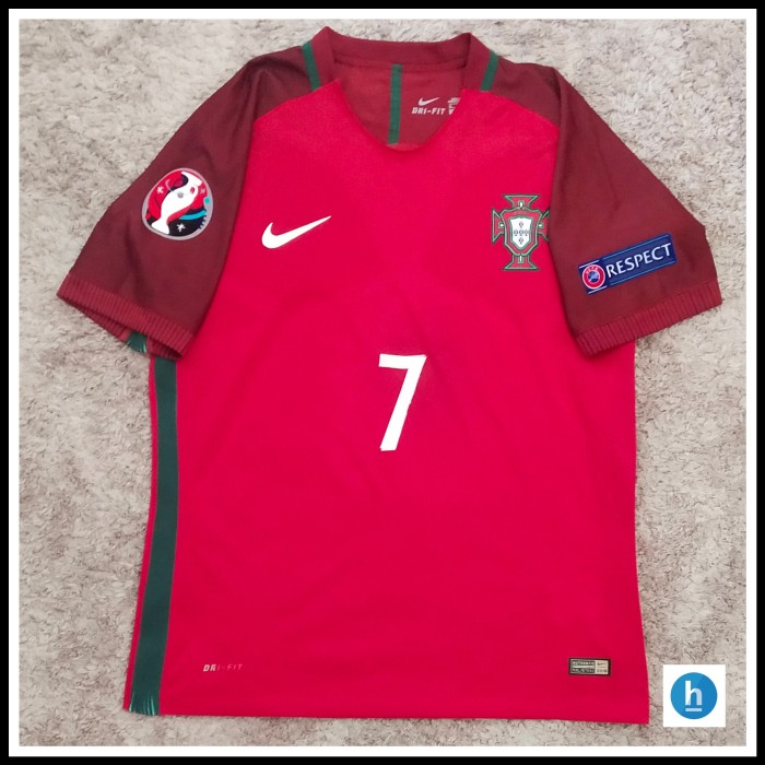 Foto Produk Jersey Portugal Home Full Patch Euro 2016 CR7 dari hendralp