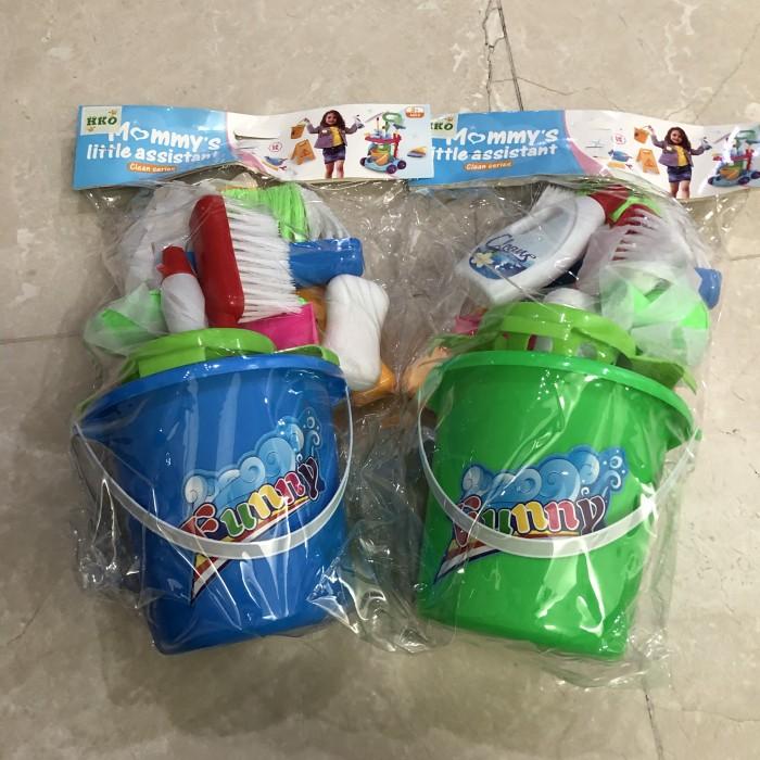 Foto Produk Mainan Anak Perempuan Little Helper Bersih Sapu Pel dari Lumi Toys