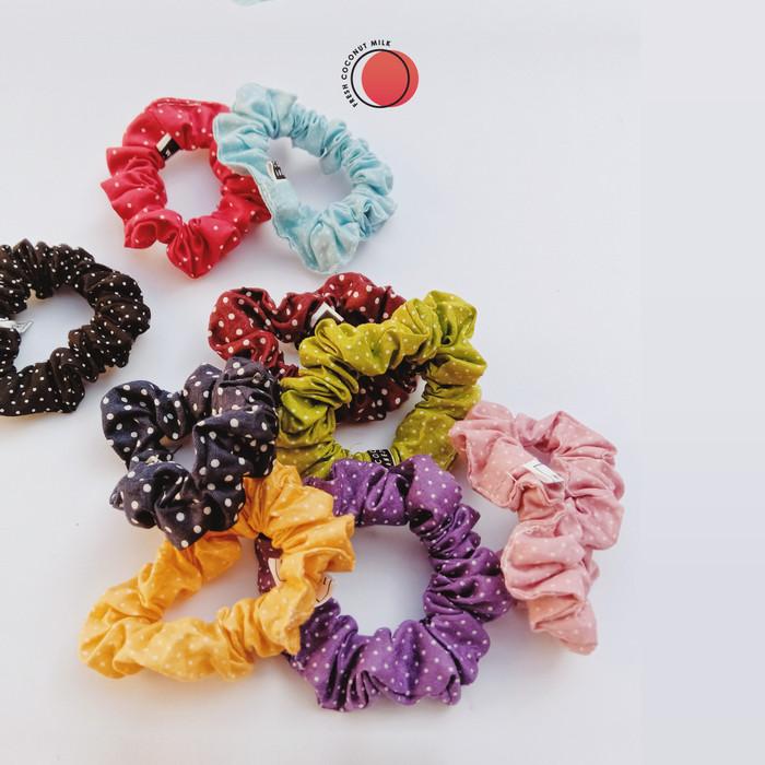 Foto Produk Scrunchie Ikat Rambut Polka - Small dari Fresh Coconut Milk
