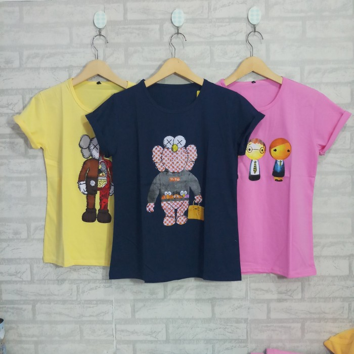 Foto Produk Kaos Wanita T-shirt Remaja Cewek - Campur Motif J dari ENJE Clothing