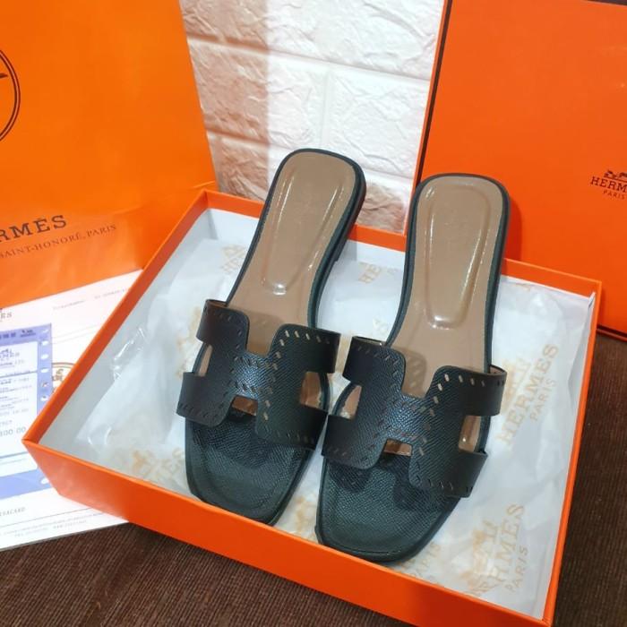 Foto Produk Hermes Oran Sandal Hole N dari bavellig