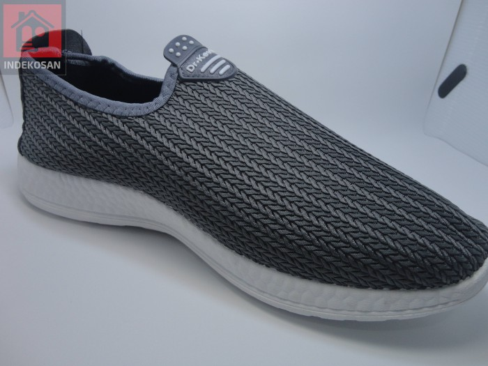 Foto Produk Bonus Produk Sepatu DR Kevin Promo dari Computer Universalis