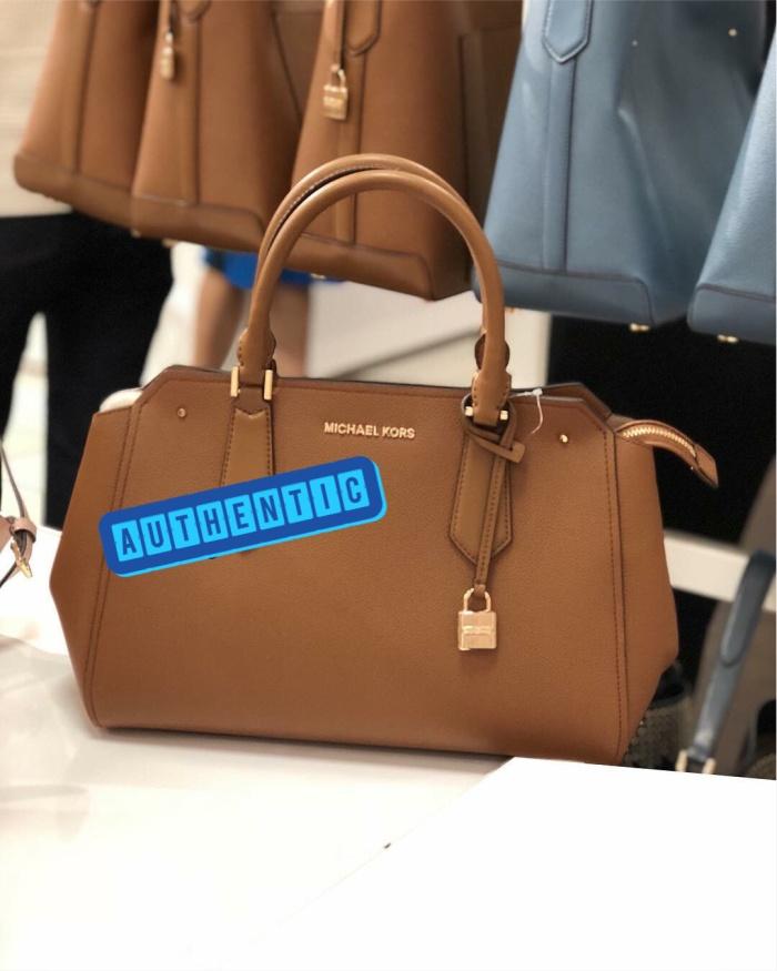 a10ae003b3c5 Tas Michael Kors Hayes Large Satchel Luggage / Michael kors authentic