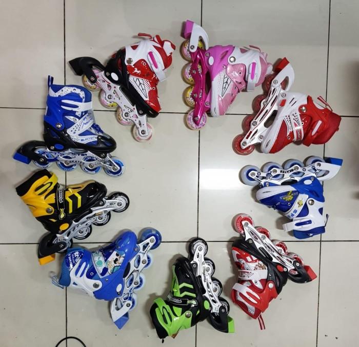 harga Sepatu roda / inline skate (bisa set model bajaj) Tokopedia.com