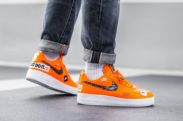 Jual Sepatu Pria Nike Air Force 1 Low Just Do It Orange PRM Kab. Tangerang csneakers | Tokopedia