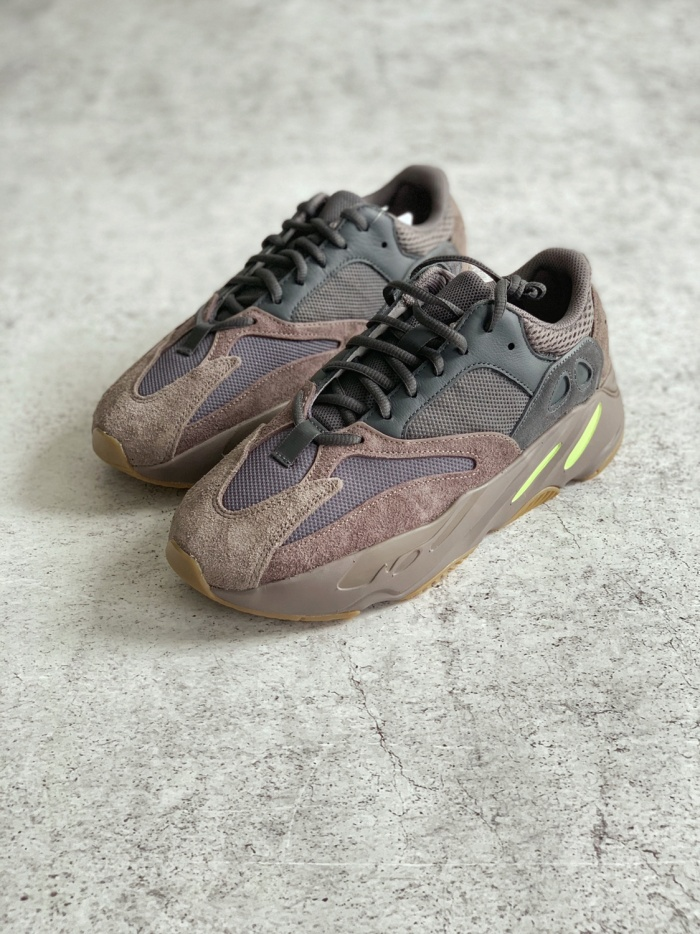 big sale 95350 6d004 Jual Adidas Yeezy Boost 700 Wave Runner Mauve - Kota Tangerang - Sneakers  Flux | Tokopedia