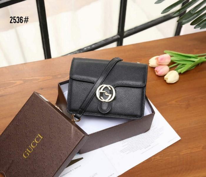 c852c76f07dc Jual Gucci Interlocking Chain Bag 2536 - Kota Batam - It's Time ...