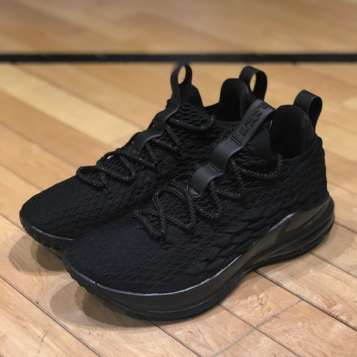 9042e8162f55 Jual Nike Lebron 15 Low Triple Black Sneakers Sepatu Basket Pria ...