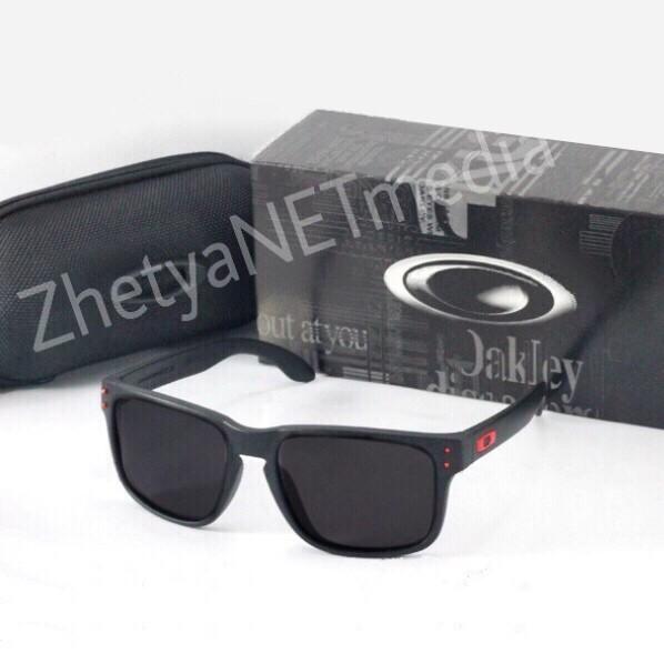 Kacamata Polarized Oakley Holbrook Black Mirror - Daftar Harga ... 5e7d9f4cd5