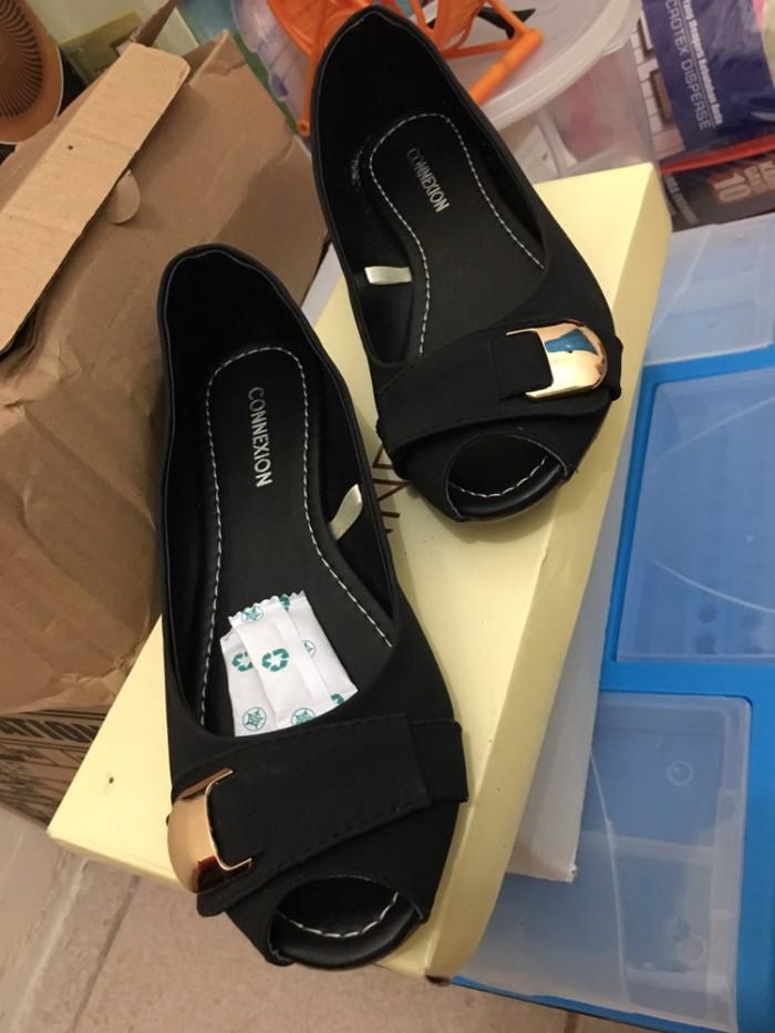 Sepatu Wanita Connexion Hitam Size 36