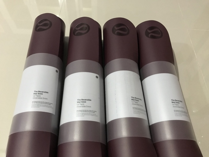 harga Reversible mat 5mm lululemon bordeaux drama Tokopedia.com