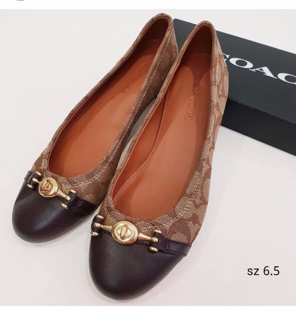 Coach chelsea flats shoes sign brown sepatu coach original 0799650fbc