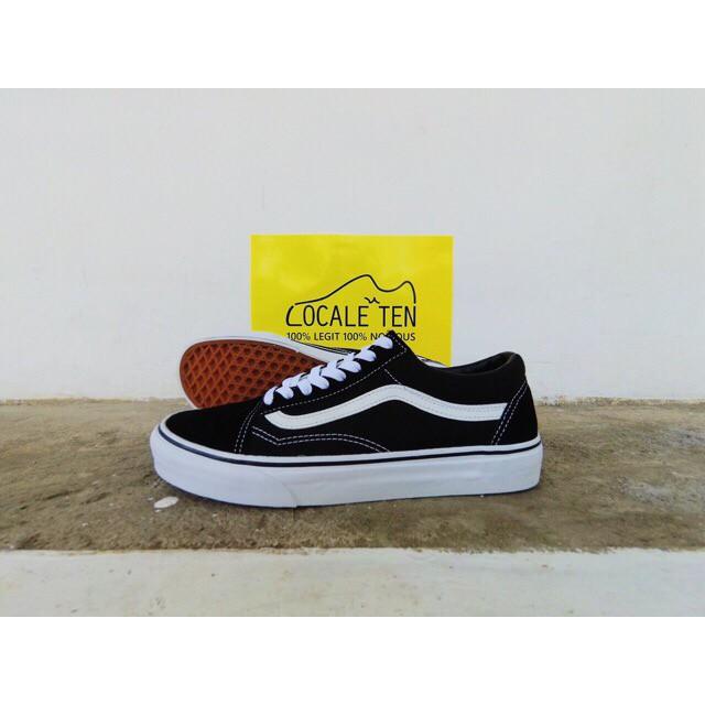 f9582b11961 Jual Vans Old Skool (CLASSIC) Black White original - Kota Malang ...