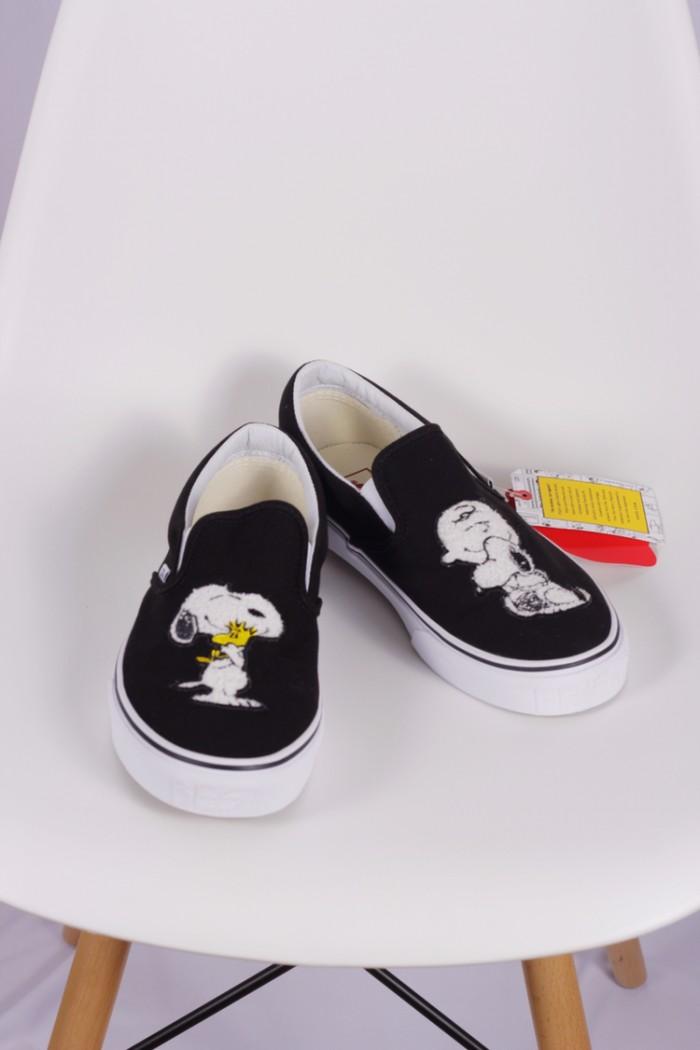 ae2b6ccb1f Jual Vans Slip On X Peanuts Best Friend - Thankyoumomstore