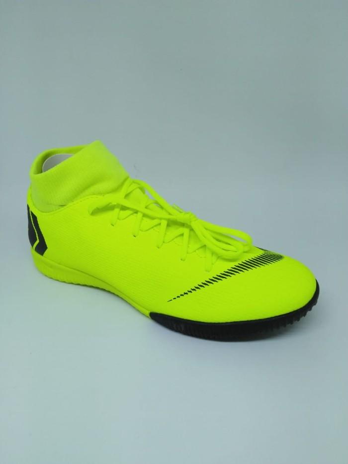 3fb0ee54580 ... harga Sepatu futsal nike original superfly 6 academy cr7 ic stabilo new  2018 Tokopedia.com
