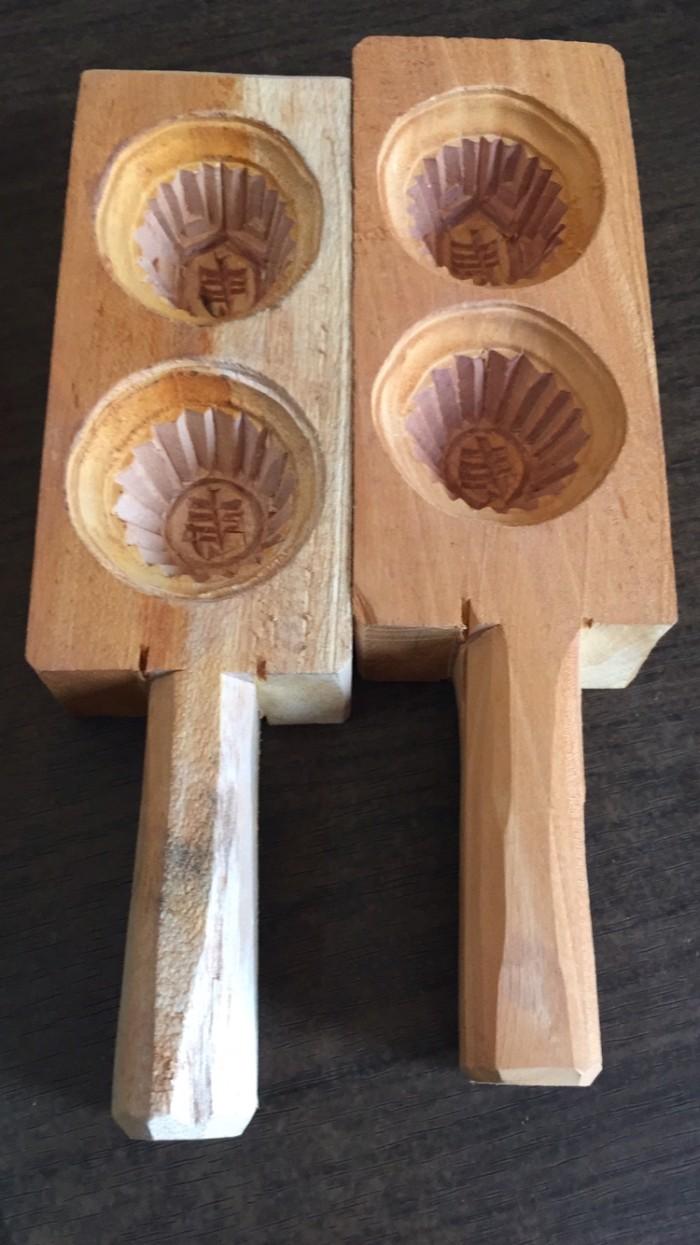 Cetakan kue ku 2 in 1 ukuran sedang 5 cm terbuat dari kayu mahoni