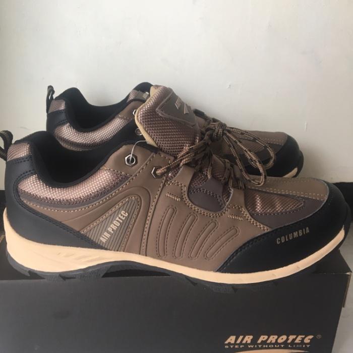 Jual Sepatu Gunung Trekking Hiking Air Protec Columbia Beige Coklat ... d93718e943