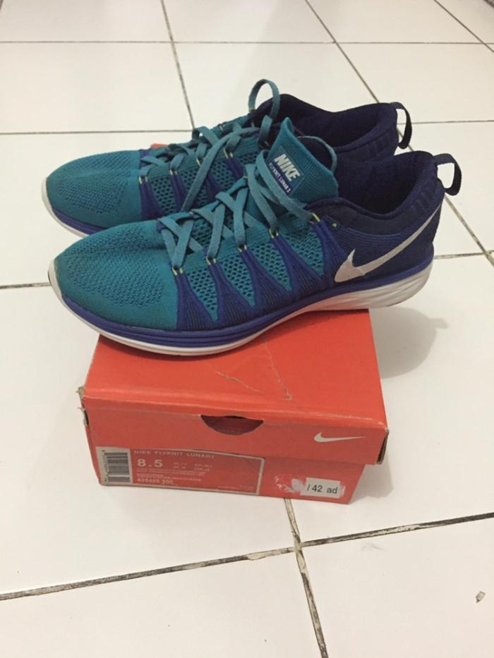 timeless design ef9f3 3f2e0 Nike Flyknit Lunar 2 Running Sepatu Lari