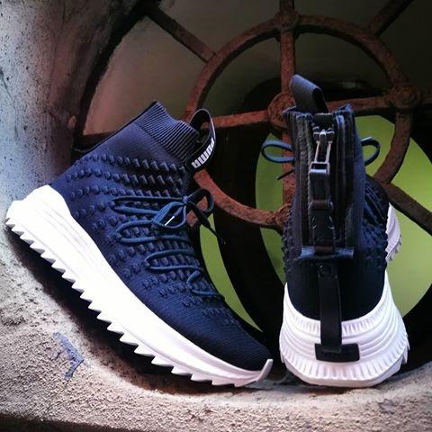 253a2e7863 Jual Sepatu Puma Original - Avid Fusefit Mid Black - DKI Jakarta ...