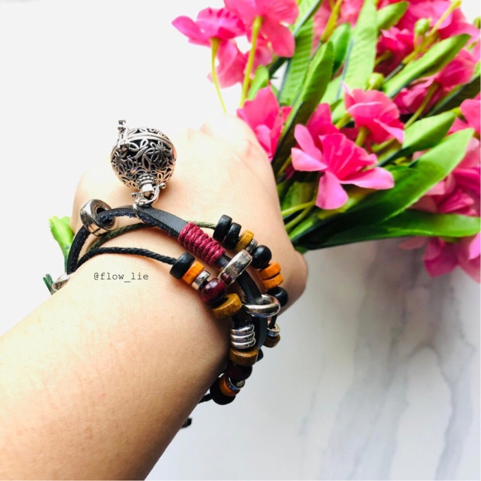 Foto Produk Gelang EO - leather ball dari Flowlie