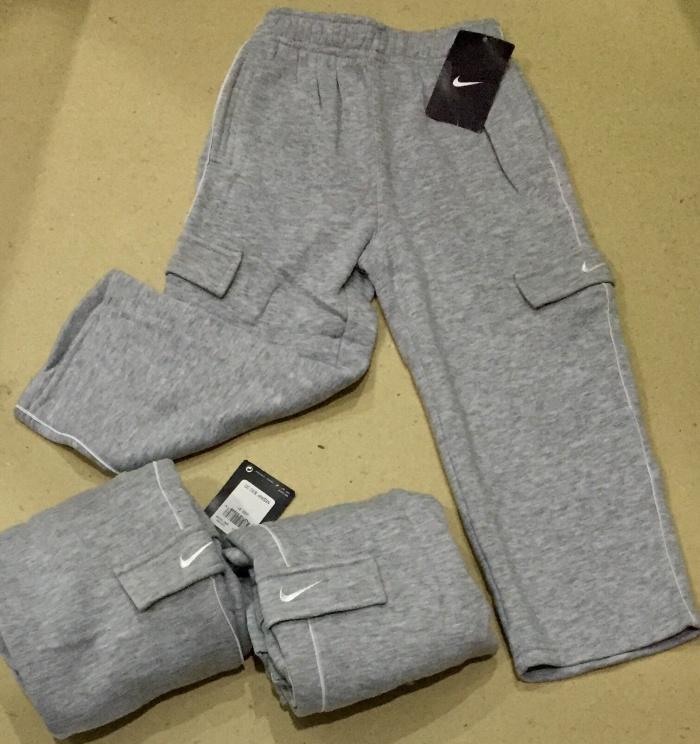 Foto Produk Celana Grey bordir Nike di kantong - 2-3 tahun dari au'let
