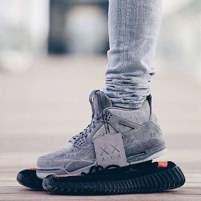 Nike air jordan 4 retro x kaws premium original   sepatu nike 15d5fe6cc0