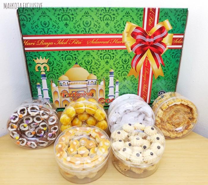 harga Paket kue lebaran mahkota eksklusive Tokopedia.com
