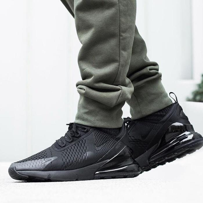 best service 7a303 d4a3b Jual Sepatu Nike Airmax 270 Triple Black Premium / sneakers pria murah baru  - Jakarta Barat - threestripes   Tokopedia