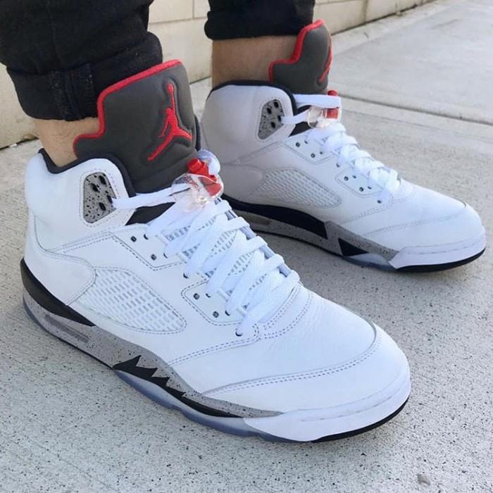 meilleure sélection 60ed8 8fc83 Jual Sepatu Nike Air Jordan Retro 5 White Cement Premium / sneakers basket  - Jakarta Barat - threestripes | Tokopedia