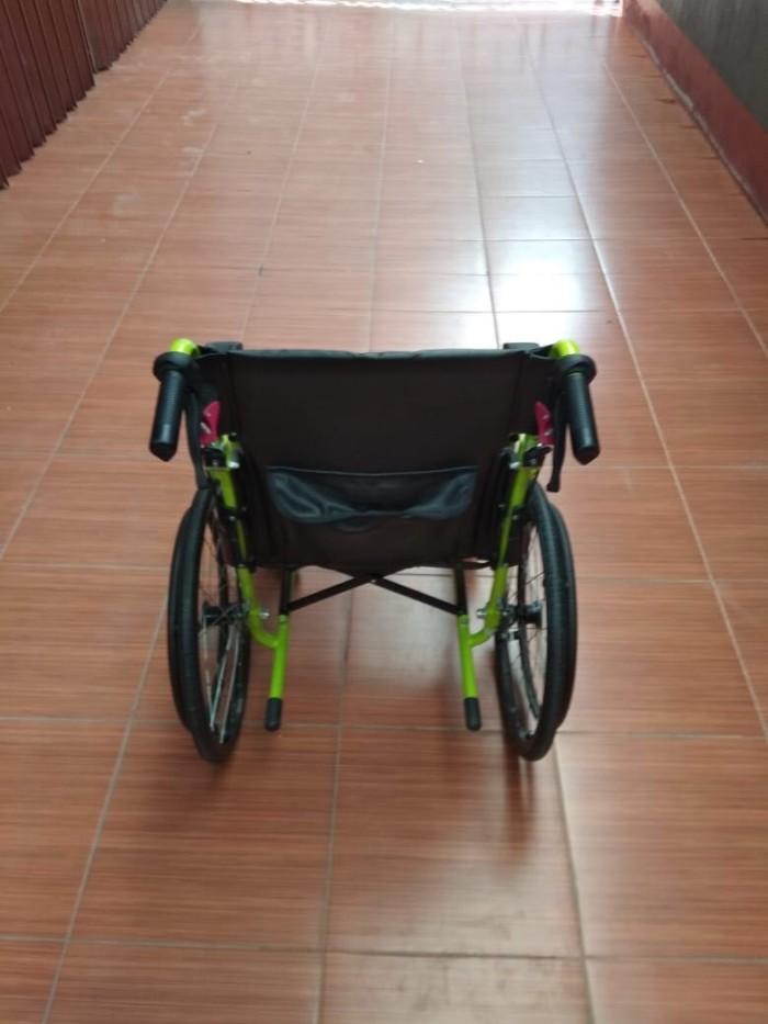 630 Kursi Roda Rem Tangan Terbaru