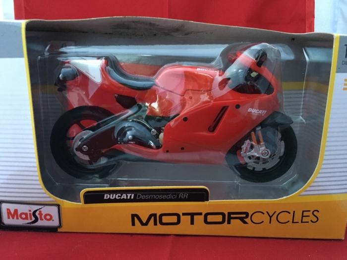 Foto Produk Maisto 1/12 Diecast Motorcycles Ducati Desmosedici RR dari Dompu Shop