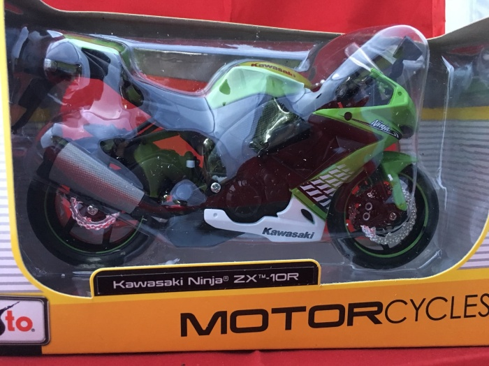 Foto Produk Maisto 1/12 Diecast Motorcycles Kawasaki Ninja ZX-10R dari Dompu Shop
