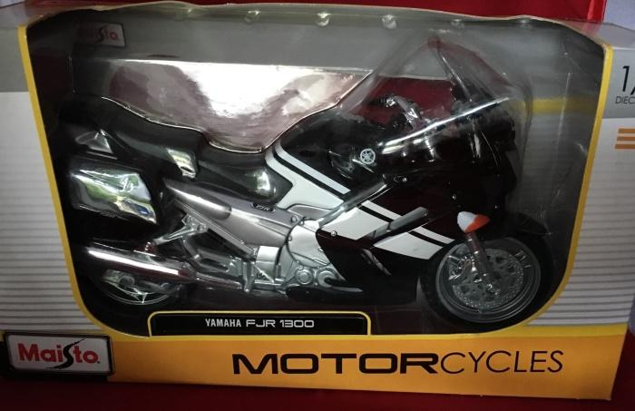 Foto Produk Maisto 1/12 Diecast Motorcycles Yamaha FJR 1300 dari Dompu Shop