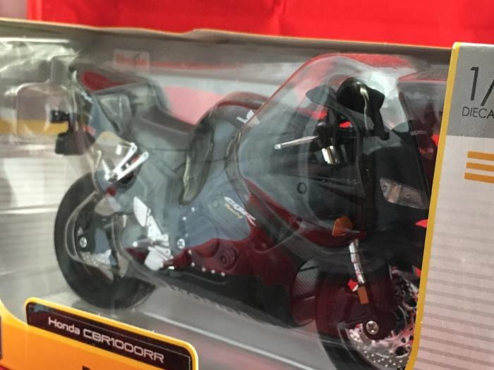 Foto Produk Maisto 1/12 Diecast Motorcycles Honda CBR1000RR dari Dompu Shop