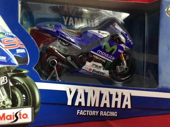 Foto Produk Maisto 1/18 Motor Diecast Motorcycles Yamaha Factory Racing dari Dompu Shop