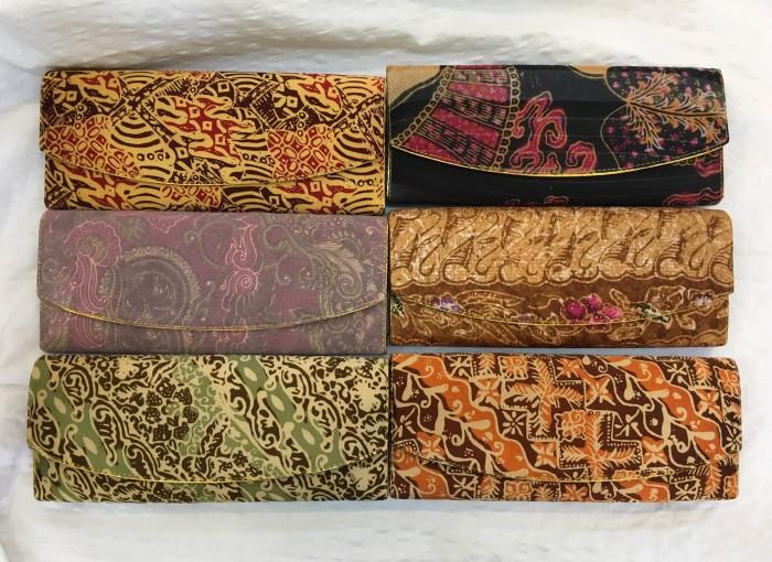 harga Dompet batik sutra 25cm /dompet kartu /dompet motif 25cm /dompet murah Tokopedia.com