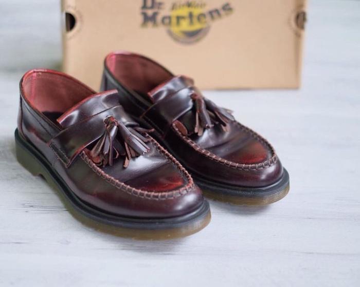 harga Dr martens adrian loafer tassel red cherry arcadia (burgundy) Tokopedia.com
