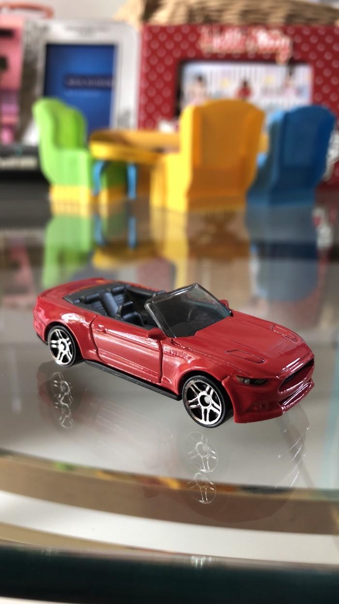Hotwheels ford mustang gt convertible