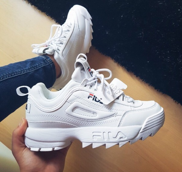 Jual Fila Disruptor II White Sneaker Sepatu Wanita PREMIUM ... 01091f9b6f