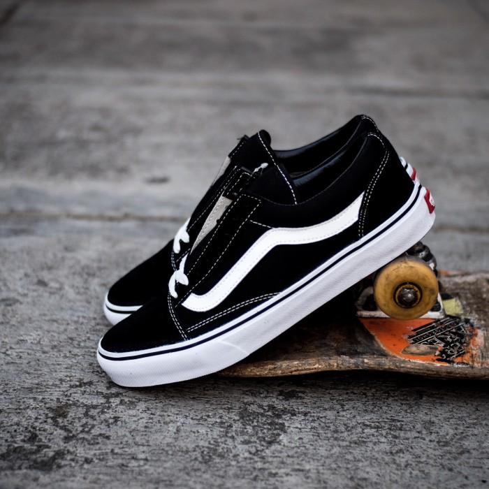 Jual Vans Old Skool Black White Japan - bjokicks jogja  9c5645e82c0d