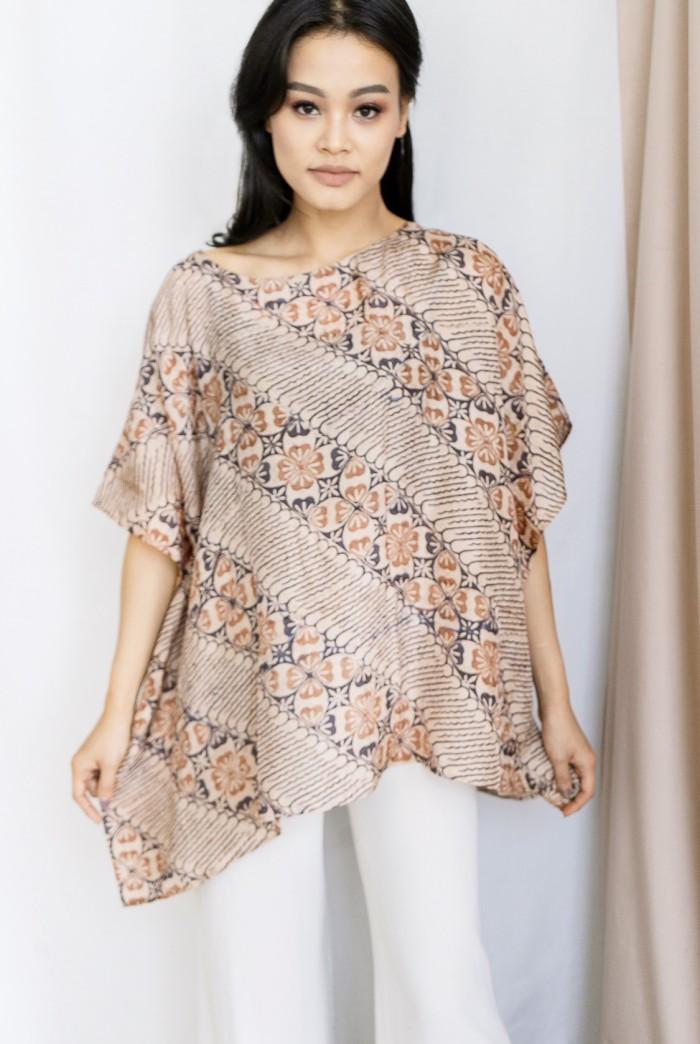 Alie Batik Tops in Brown Modern Parang (Atasan Batik Coklat Parang)