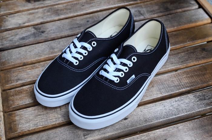 Jual Vans Authentic Black White Global Release - Kab. Sleman ... e2dd9f075