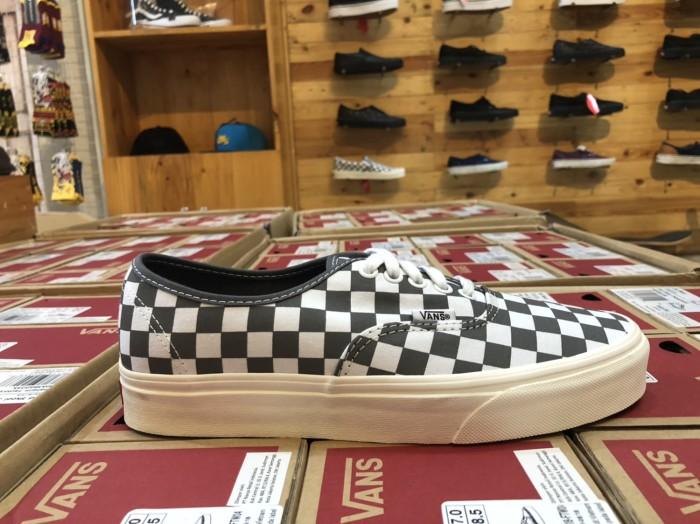 Jual Vans Authentic (Checkerboard) Pewter Marshmallow. - Kota ... b0fff6afe