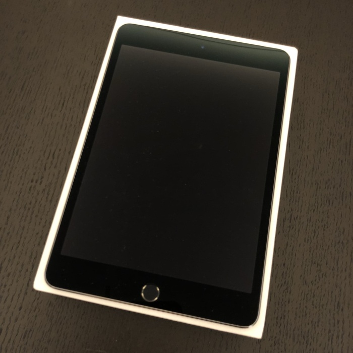 iPad Mini 4 Wifi + Cellular 64GB (Bonus Flip Case!!!)
