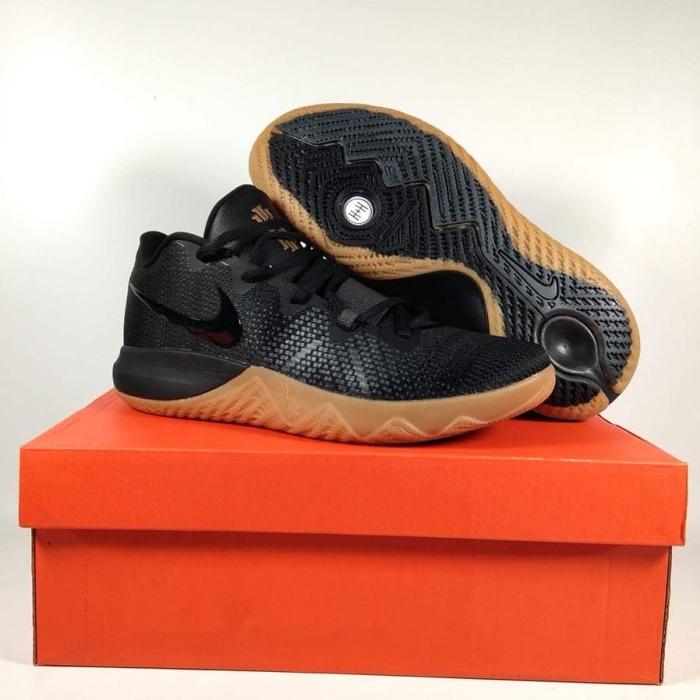 Jual sepatu basket nike kyrie flytrap black gum - Kota Batam ... 19d89caa2