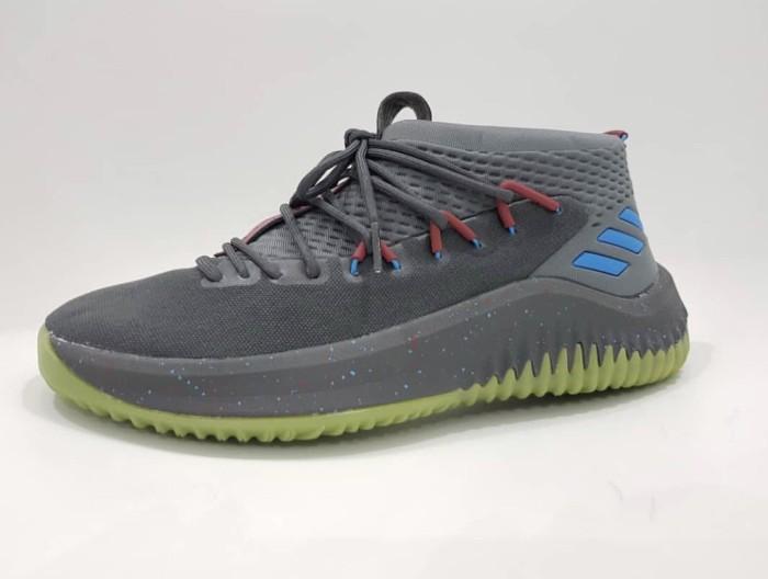 sepatu adidas basket terbaru