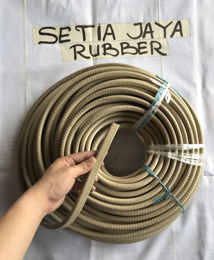 Foto Produk Karet u list jepit / karet jepit / karet pintu mobil dari Setia Jaya Rubber