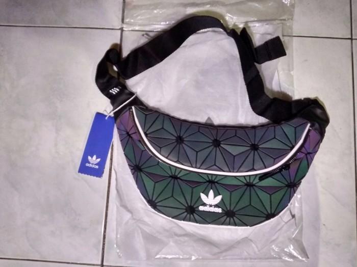 wholesale dealer 55a19 0e8cb Jual ADIDAS XENO REFLECTIVE WAISTBAG - Kab. Tangerang - INSOCIALHYPE2 |  Tokopedia
